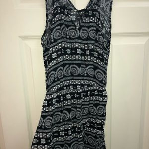 Aéropostale black and white dress
